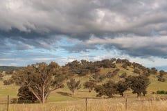 Natura krajobraz wzgórze padok, paśnik ziemia uprawna obrazy stock