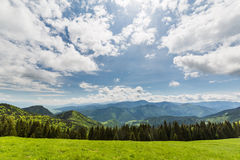 Natura lungo la strada di riciclaggio da Malino Brdo a Revuce in Slova Fotografie Stock Libere da Diritti