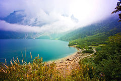 Natura in montagne Lago in montagne Immagine Stock