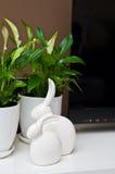 Natura morta ceramica dei coniglietti di pasqua Immagine Stock Libera da Diritti