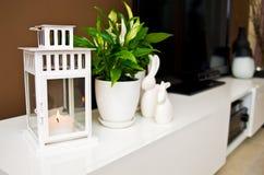 Natura morta ceramica dei coniglietti di pasqua Fotografia Stock