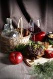 Natura morta con carne e le verdure Immagini Stock