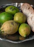 Natura morta con i frutti organici del limone e cresciuta Fotografie Stock Libere da Diritti