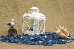Natura morta con il giocattolo del gabbiano Fotografie Stock Libere da Diritti