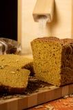 Natura morta con il pane di segale, spighe del granoturco Fotografia Stock Libera da Diritti