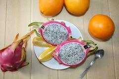 Natura morta con le arance, dragonfruit Fotografia Stock Libera da Diritti