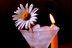 Natura morta con una candela fotografie stock libere da diritti