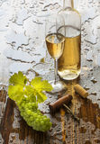 Natura morta con vino bianco Fotografia Stock Libera da Diritti