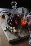 Natura morta con vino e formaggio Fotografia Stock