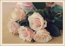 Natura morta d'annata con le rose Fotografia Stock