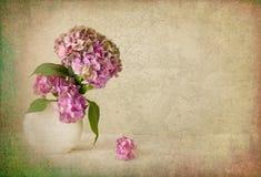 Natura morta del fiore con struttura fotografie stock