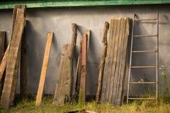 Natura morta del villaggio con i frammenti di legno Fotografia Stock