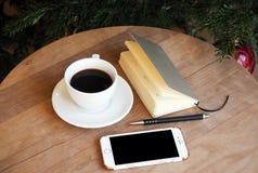 Natura morta dell'ufficio del telefono del caffè Fotografia Stock Libera da Diritti