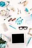 Natura morta della donna di modo, oggetti blu su bianco Fotografia Stock Libera da Diritti