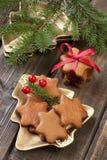Natura morta di Natale con i biscotti del pan di zenzero Fotografia Stock