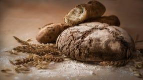 Natura morta di pane e di cereali fotografie stock libere da diritti
