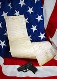 Natura morta patriottica con la costituzione Immagini Stock Libere da Diritti