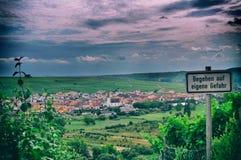 Natura principale del nordheim della montagna del vino di Franken che beve giù fotografia stock libera da diritti
