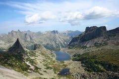 Natura selvaggia nella cresta di Ergaki, montagne di Sayan, Russia fotografia stock