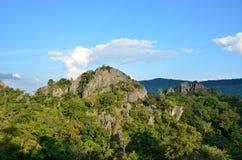 Natura verde della montagna di pietra Fotografia Stock