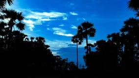 Natura wizerunki HD, niebieskie niebo obrazy royalty free