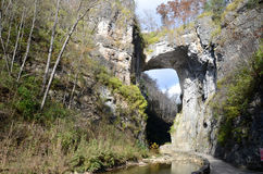 Natural Bridge, Virginia. Natural Bridge in Rockbridge County, Virginia, USA.  Cedar Creek (a small tributary of the James River) has carved out a gorge in the Stock Photos