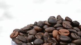 Natural coffee beans heap rotating loop filme