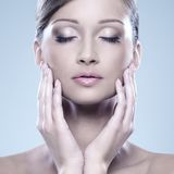 Natural looking woman enjoy her beauty Royalty Free Stock Photos