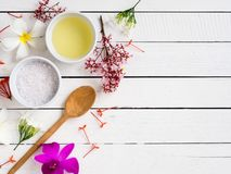 Free Natural Skincare Products,aroma Oil With Tropical Flower. Royalty Free Stock Photography - 99450037