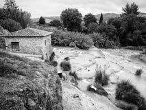 Natural spa με τους καταρράκτες σε Saturnia, Ιταλία Στοκ Εικόνα