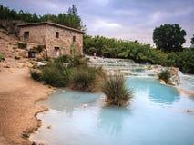 Natural spa με τους καταρράκτες σε Saturnia, Ιταλία Στοκ Φωτογραφίες