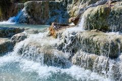 Natural spa Saturnia θερμικά λουτρά, Ιταλία Στοκ Φωτογραφίες