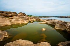 Naturale del canyon della roccia nel fiume di Mekhong in Ubon Ratchathani, Tha fotografia stock