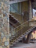 Naturale, di pietra, montagna, arenaria, muratura, scale, decorazione, metallo, pezzo fucinato, pietra, inferriata, Immagine Stock Libera da Diritti