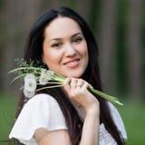 Naturaleza asiática de la muchacha del retrato foto de archivo