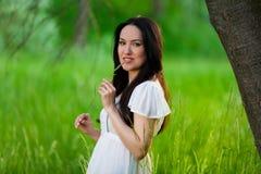 Naturaleza asiática de la muchacha del retrato imagen de archivo
