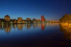 Naturaleza, ciudad de la noche foto de archivo libre de regalías