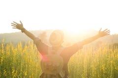 naturaleza de goce al aire libre del viaje de la libertad y de la relajación Imagen de archivo libre de regalías