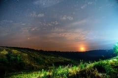 Naturaleza de la salida del sol de la luz del fondo de la estrella del cielo de la puesta del sol para el diseño Imagen de archivo
