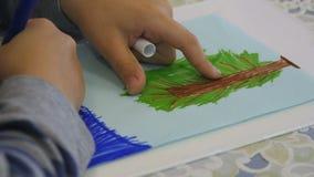 Naturaleza de las pinturas de los niños en guardería metrajes