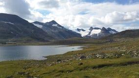 Naturaleza de Noruega, en donde usted no quiere irse foto de archivo