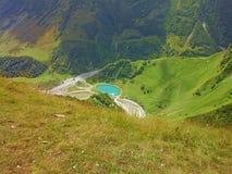 Naturaleza del lago de las montañas Imagen de archivo libre de regalías