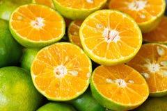 Naturaleza dulce Juice Fresh verde anaranjado de la mandarina de la comida orgánica de Tailandia Fotos de archivo libres de regalías
