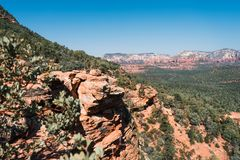 Naturaleza hermosa con las rocas anaranjadas y las vistas magníficas de Sedona, Arizona, los E.E.U.U. Imágenes de archivo libres de regalías
