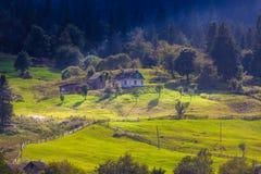 Naturaleza hermosa de las montañas y de la colina en verano Fotografía de archivo libre de regalías