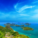 Naturaleza tropical de la isla, archipiélago del mar de Tailandia Fotos de archivo