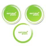 Naturalmente 100 por cento Um grupo de etiquetas verdes no estilo 3d Gotas de fluxo da água Produto natural Estilo do Grunge Labe Imagem de Stock