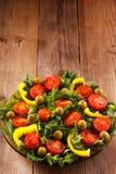 Naturalna żywność organiczna na drewnianym wieśniaka stole Miejsce opuszczać dla etykietek Fotografia Stock