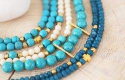 Naturalna gemstone biżuteria - turkusu i agata koralika bransoletki Fotografia Stock