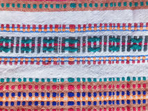 Naturalna samodziałowa kanwa z ukraińskimi etnicznymi ornamentami Zdjęcia Stock